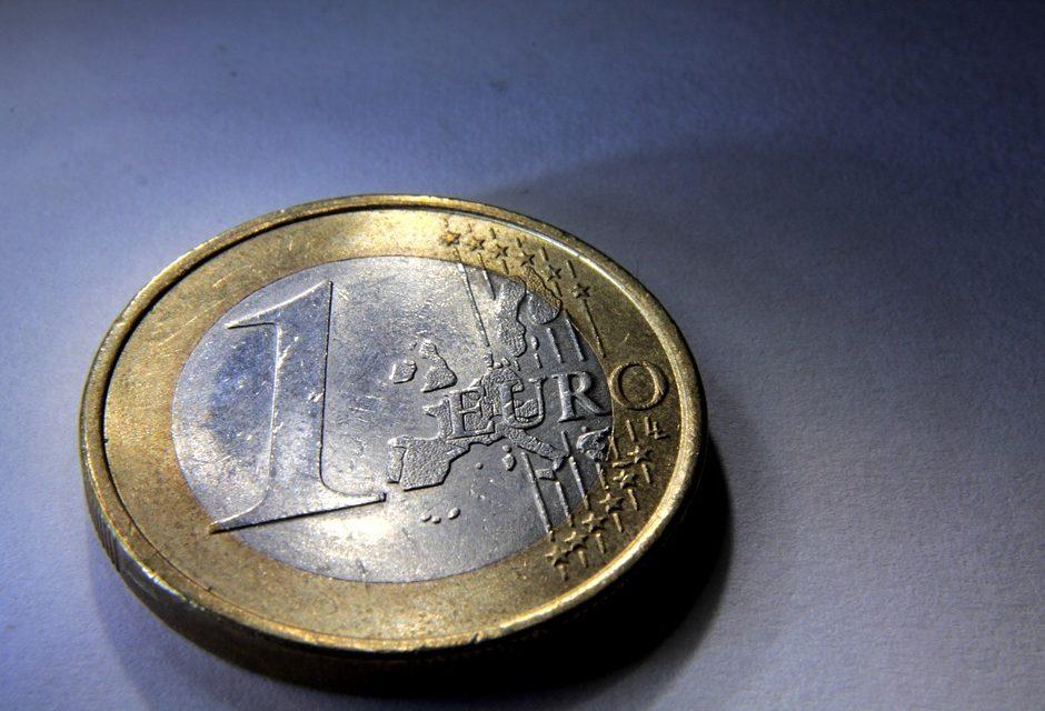 I gestori obbligano a spendere 1€ di ricarica per servizi non richiesti